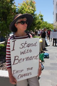 Canberra 201109 I stand
